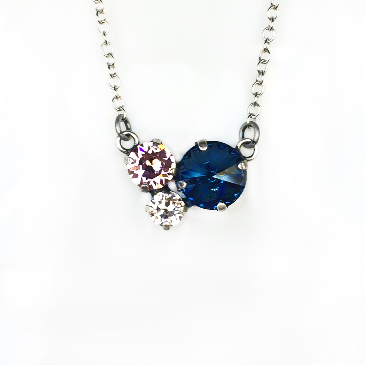 3-stone-cluster-necklace-blue